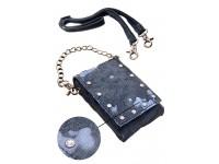 Естравагантен калъф тип дамска чанта.